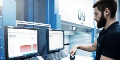 Order picking at the warehouse lift with SAP EWM from viastore at Kaeser, Manufacturing Industry