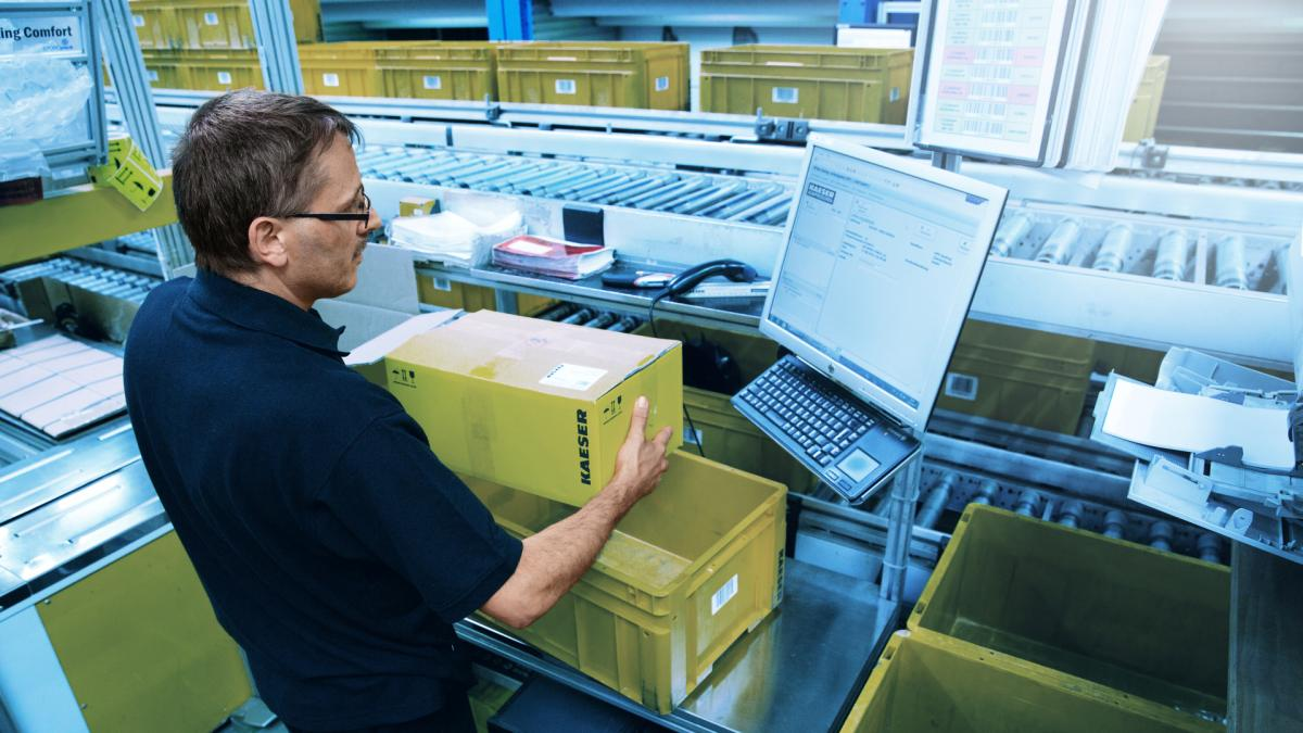 Order picking with SAP EWM from viastore at Kaeser, Manufacturing Industry